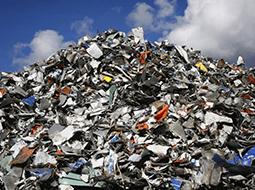 В Пскове из мусора делают влагоустойчивую тротуарную плитку